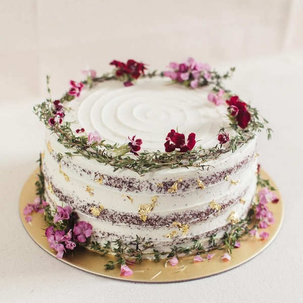 Wedding Cakes with Floral Decorations