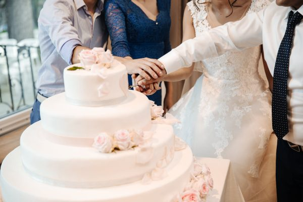 Buying Wedding Cakes: Tips And Helpful Advice