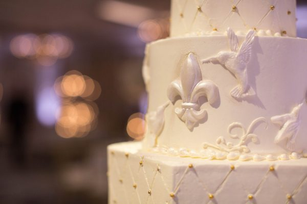 Tell Me All About Options When Buying Wedding Cakes